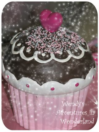 Ceramic cupcake with heart choco pic 1